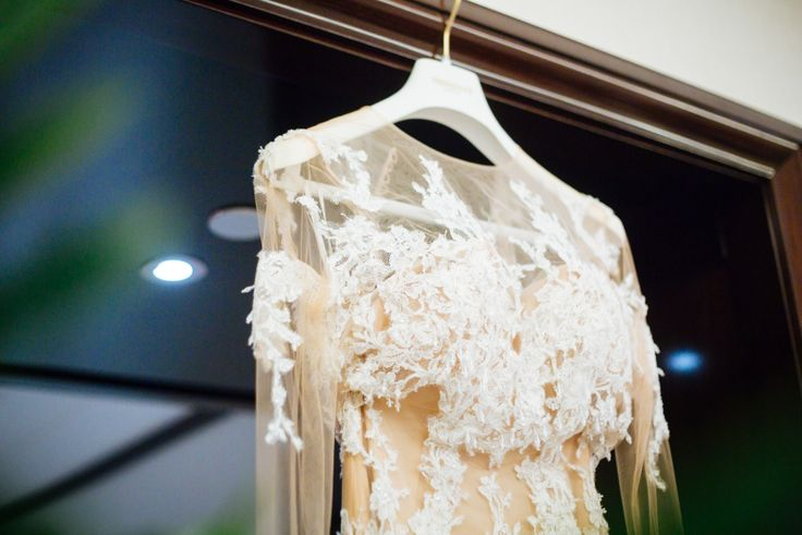 wedding dress// robe de mariage ; skiss ; lace//dentelle ; beige ;   http://www.skiss.fr/