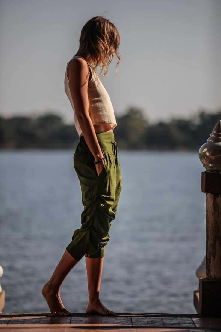 capri pants | resort wear | thailand | fashion | what to wear in thailand | lake | crop top | linen