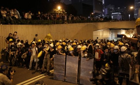 LIVE: 40 hospitalised in fresh Occupy violence as police, protester clashes continue | South China Morning Post