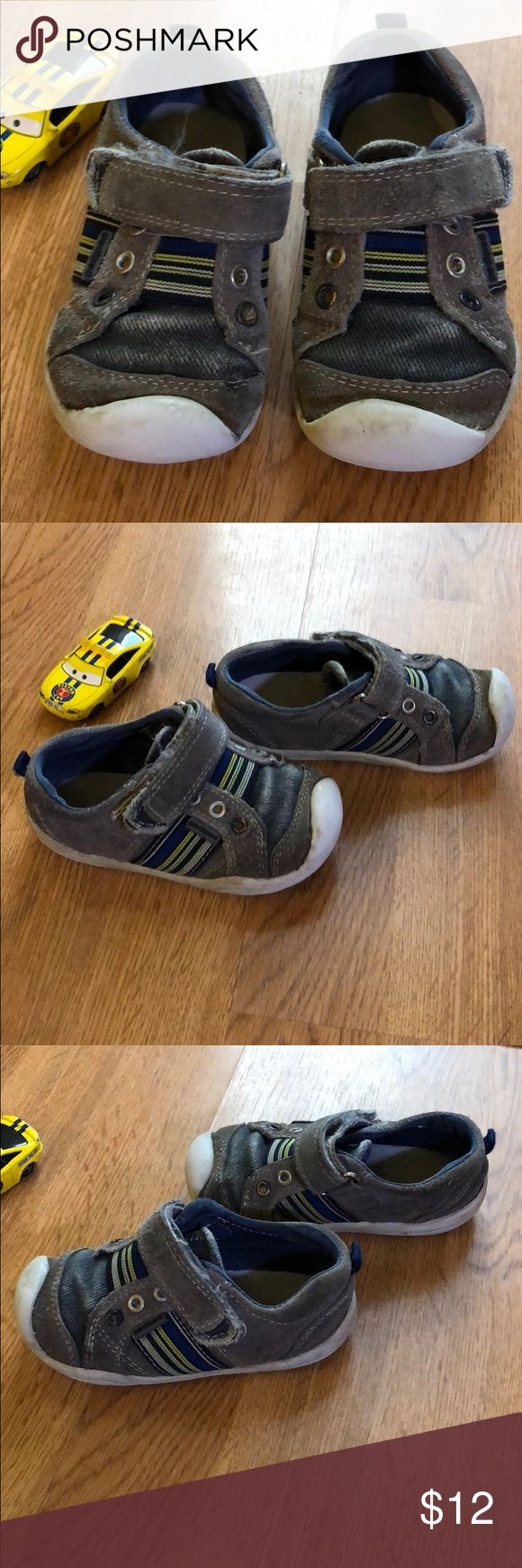 Pediped Velcro Toddler 6.5 runners These are in good used condition, with the soles showing wear. Size 23 which is a 6.5 Toddler. Perfect shoe for active play! All Velcro is functional and attached. Pediped brand. pediped Shoes Sneakers