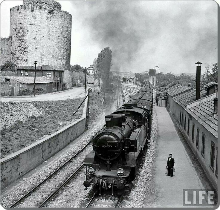Yedikule, İstanbul,1950 by Jack Birns