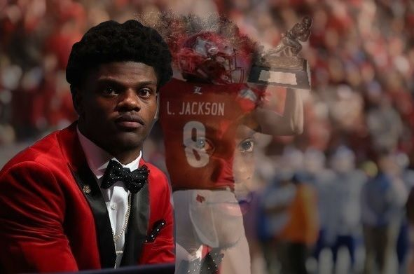 Louisville quarterback , Lamar Jackson was awarded the best college football player in the country, the 2016 Heisman Memorial Trophy in NYC.