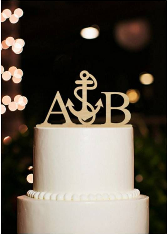 Initiales des mariés pour gâteau de mariage avec une ancre