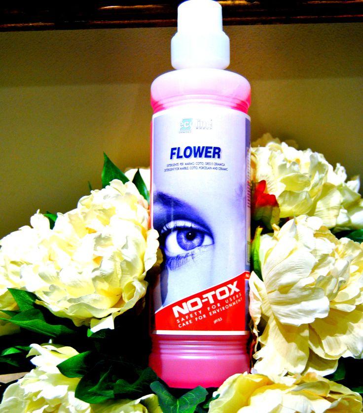 PULIZIA PAVIMENTI IN GRES E CERAMICA Piastrelle in #gres o in #ceramica sono presenti ormai in tutti gli ambienti, per la loro bellezza, resistenza e facilità di manutenzione. Per renderli ancora più luminosi e belli vi consigliamo #Flower - #detergente #nontossico 100% #biodegradabile! Non necessita di risciacquo e non lascia RESIDUI sulla superficie, ma solo un gradevole profumo floreale. Lo trovate all'EcolineStore in Via dei Mestieri 8 - Porto Sant'Elpidio o su www.no-tox.it