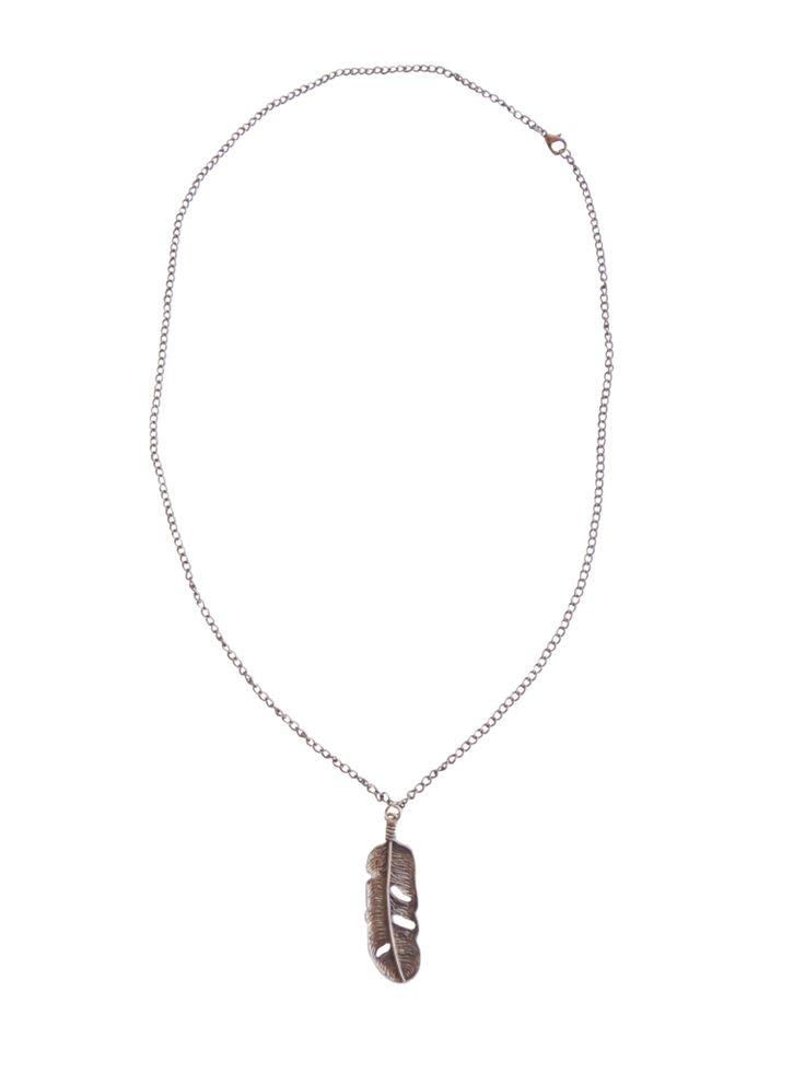 Cadena Libre: muestra tu espíritu volátil y soñador.  #Cadena #Collar #Pluma #Accesorio