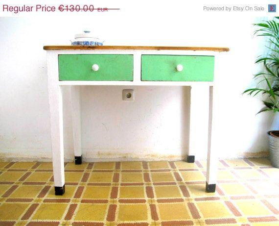 Mesa de cocina antigua reciclada por TallerTurpentine en Etsy, €91.00