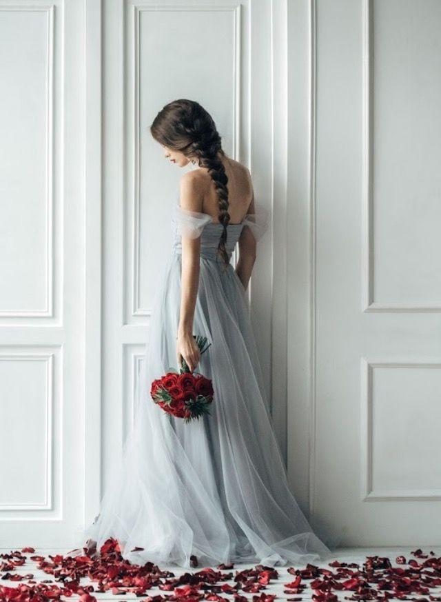 Delikatny Iris będzie dostępny także w szarościach ❤️robi wrażenie! 👌🏻 #wesele #wedding #weddingdress #romantyczna #sukniaslubna #pannamloda #weddingday #party #instag #bride #happy #photos #love #marriage #flowers #instawedding #sukienka #romantyczna #poland #gdansk #trojmiasto #followme #follow4follow