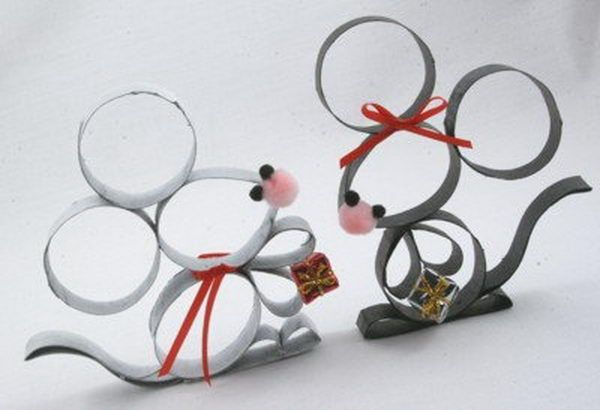 44 mouse craft http://hative.com/homemade-animal-toilet-paper-roll-crafts/