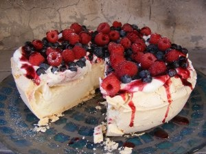 Easy pavlova dessert | yummies | Pinterest
