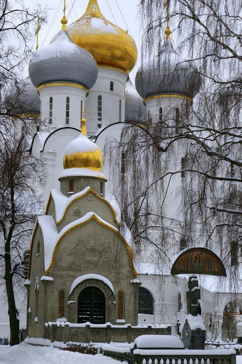 """cccartwheelsinyourhonour: """" Novodevichy Convent dipped in snow 
