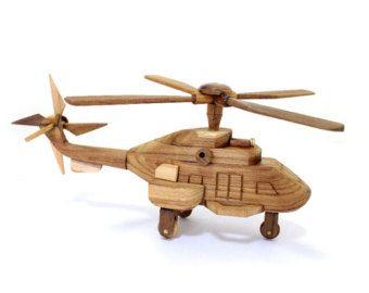 Juguete de madera hecho a mano helicóptero por OutOnALimbADK