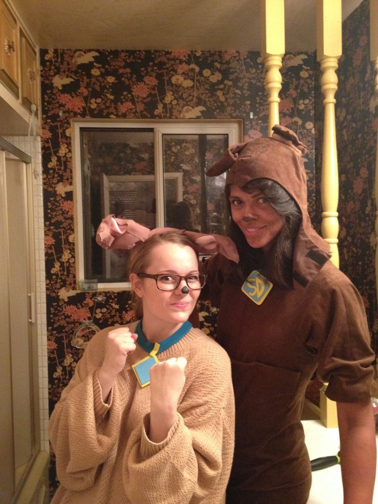 Cute group costumes: Scooby Doo and Scrappy Doo from the ...
