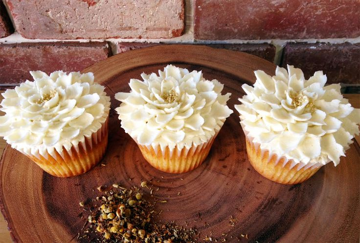 Honey vanilla chamomile w/honey swiss buttercream :: #denver #cupcakes