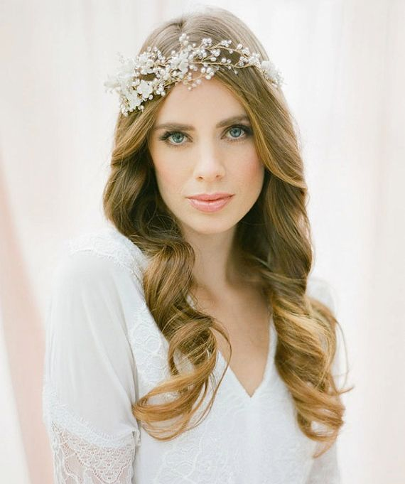 37 Pretty Wedding Hairstyles For Brides With Long Hair: 1000+ Ideas About Wavy Wedding Hairstyles On Pinterest