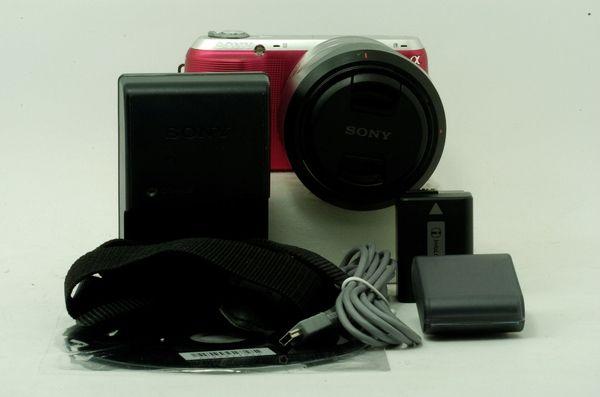 Kamera Mirrorless Sony Nex C3 Pink dan lensa Kit 18-55 OSS mm.,.,Mulus Menggoda!