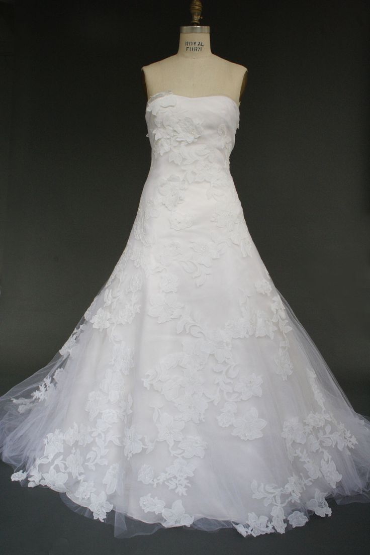 "Used Vera Wang wedding dresses ""Nadia"" Size 4 for $3400"