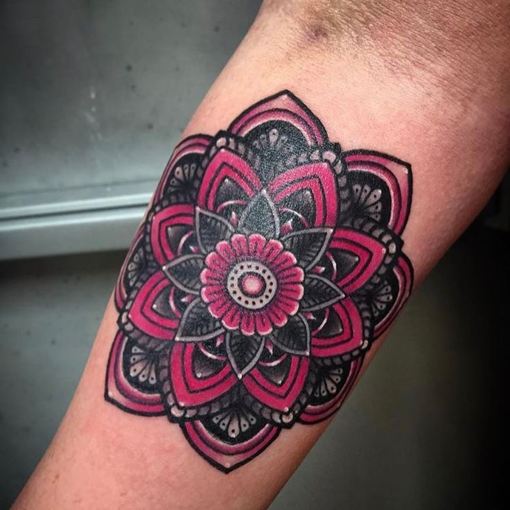 Zumba Tattoo Ideas: 25+ Best Ideas About Mandala Tattoo On Pinterest