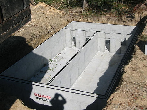 concrete septic tank lifespan
