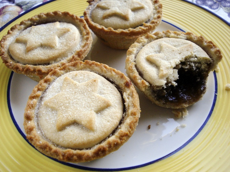 Mince pies photos by Inês Fonseca aka The Little Creatures.