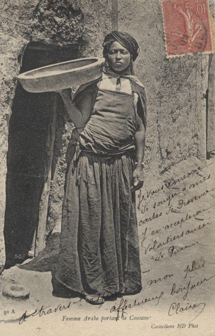 Femme Arabe portant le Couscous 91A Collections ND Phot