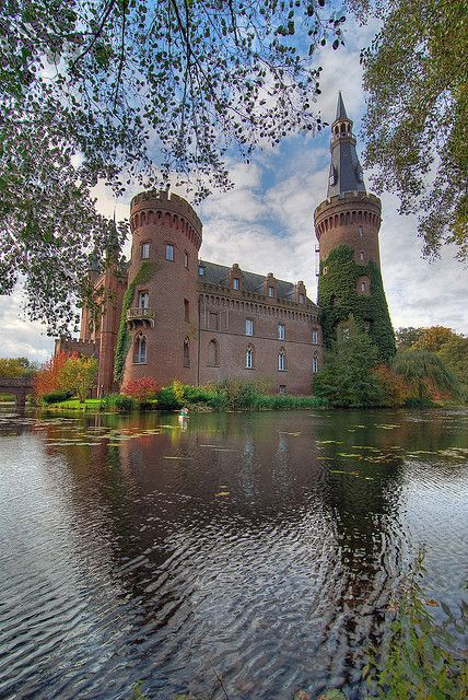 Moyland Castle, one of the most important neo-Gothic buildings in North Rhine-Westphalia, Germany (by eldejo
