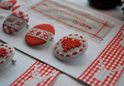 Cross stitched and fabric covered buttons. So pretty~