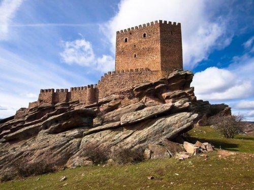 thronesdragons:  Castillo de Zafra Spain (Tower of Joy)