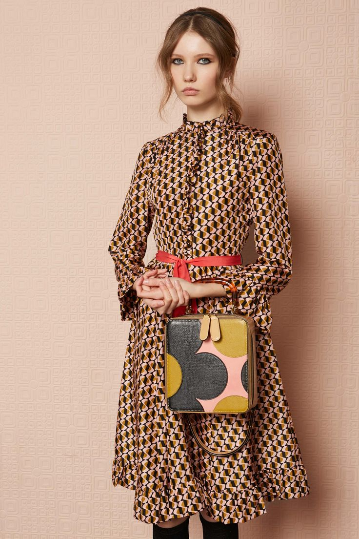 Orla Kiely Pre-Fall '17 Collection... - Vogue. ~  LOVE her style... but not always so keen on her color palettes... (I just felt the need to declare that...).