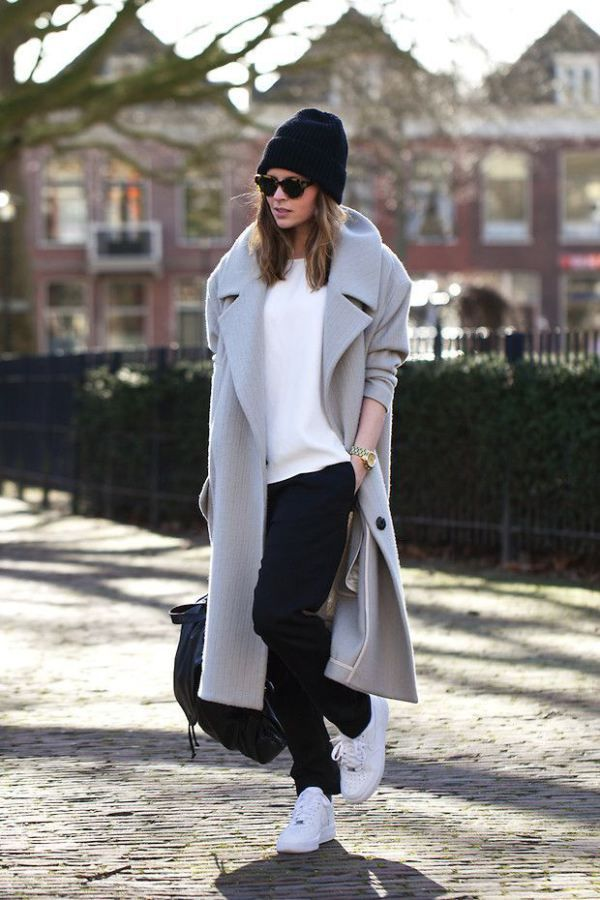 05 How to wear a coat - with sneakers (2)