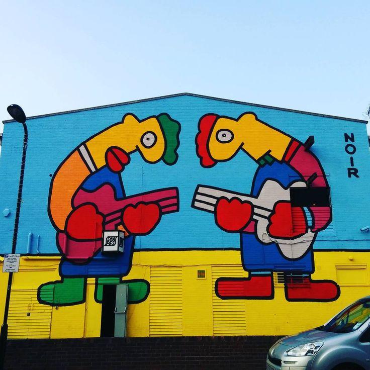 Giant #London #streetart