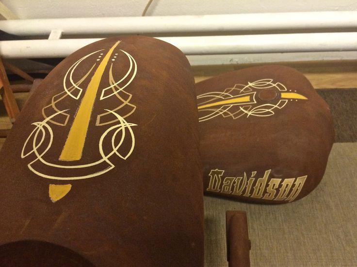 Pinstriping gold leaf gilding rust Harley Davidson chopper bobber custom paint kustom 1-shot one shot enamel