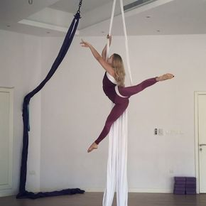 Back to training silk and today I tried this beautiful combo by @aerialphysique ❤️ ___________________________ @polefitdubai | Wearing @nuxactive by @fitplum #aerial #aerials #aerialarts #artist #dancer #aerialhoop #aerialsilk #aeriallyra #lyra #hoop #aerialnation #cirque #aerialsilks #circusinspiration #circus #circuslife #circuseverydamnday #circusartistcirque #aerialcircus #aerialbeauty #art #artist #circusinternational #aerialyoga #aerialistsofig #aerialistsofinstagram #acroyoga…
