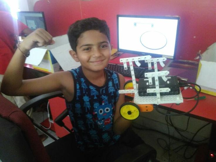 ''We Build Because We Can'' Kids building their own robots at ScienceUtsav's #Robotics camp, Jayanagar, Bangalore New batches starting soon. Register for the most amazing experience at  http://scienceutsav.com/science-summer-camps-fun-learning-…/ #SimplifyingScience