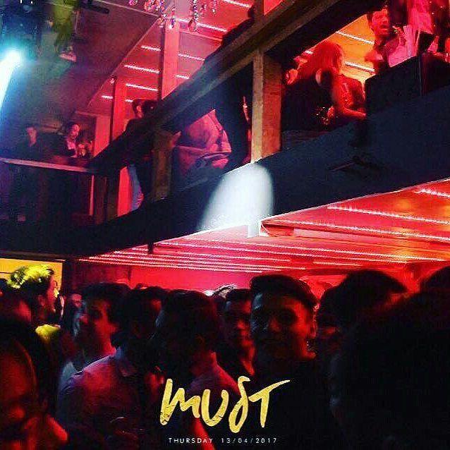 Vía @jorgeroberto412 CRAZY CRAZY NIGHT! #MUSTcondesa OpenBar 10:30-12 #JorgeRobertoEnCovers=descuento cortesías/rsvp/cumple 5547311905 en unas horas Tamaulipas 150 con Mexicali . . . . #bar #gaybar #adondeir #mustcondesa #itsamust #cdmx #condesa #instagay #timeout #timeoutgay #gaycdmx #gaymexico #gaystagram #mexico #must #gaylife