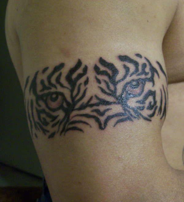Armband Tattoo Design for Men