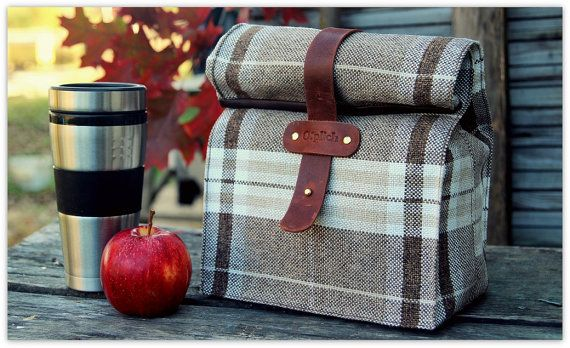 A plaid designer lunch bag is the perfect gift for the man or woman in your life that has everything. The perfect lunch bag for the office or your next picnic. #lunch #lunchbag