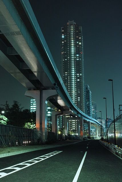 Shiodome by guen-k on Flickr.
