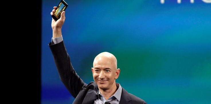 Jeff Bezos de Amazon presentó su Fire Phone
