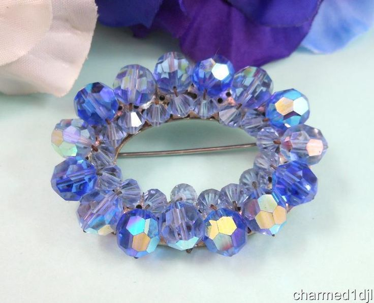 """Vtg Blue AB Crystal Glass Bead Oval Wreath Brooch Pin Silver Tone 2"""" Hand Strung #Unbranded"""