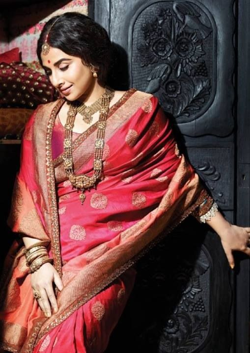 Vidya Balan in Sabyasachi saree and blouse with statement jewellery