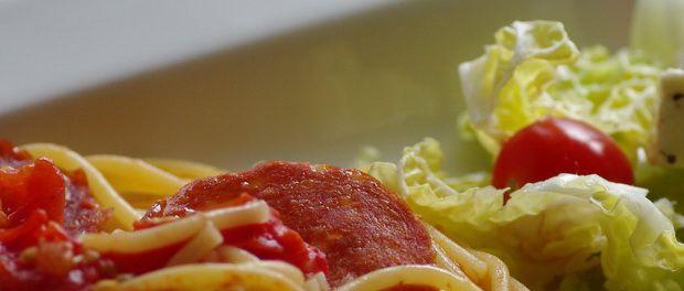 Spaghetti med pepperoni One Pot Pasta oppskrift