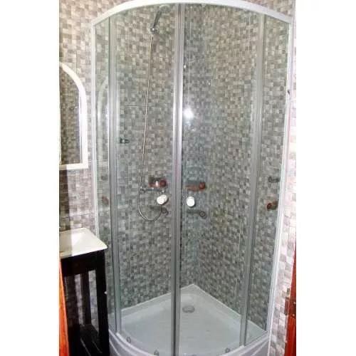 Las 25 mejores ideas sobre duchas de vidrio en pinterest for Mamparas bd