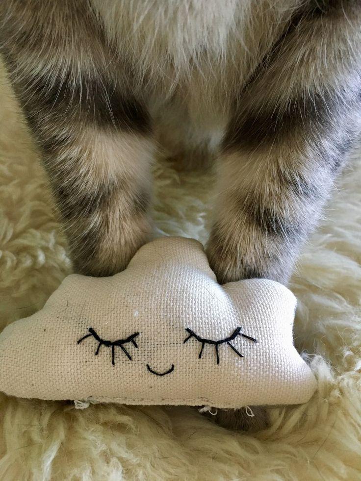 découvrez les créations made in france de Minitriplos, des jouets fait-mains pour chats