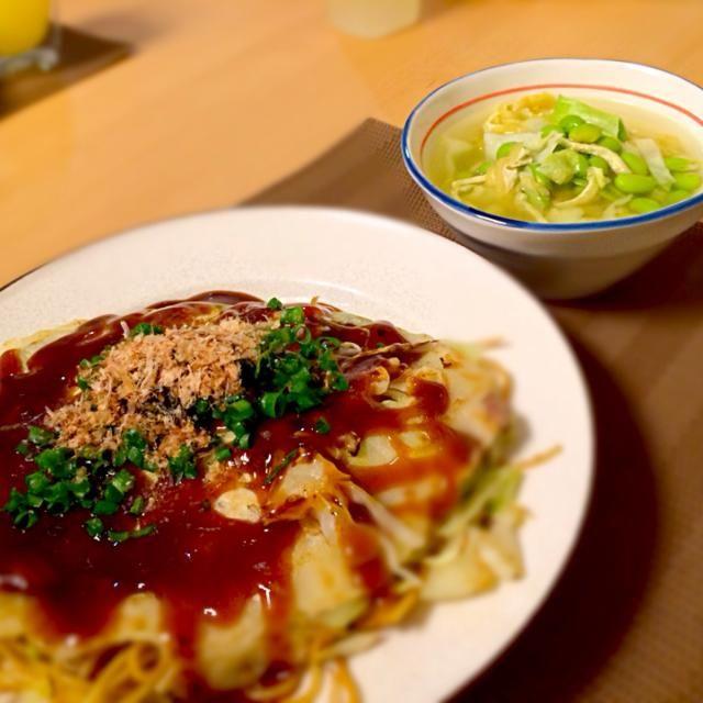 広島焼きはホットプレートないのでフライパンで。 ソースたっぷりで濃い目の味なのでスープはシンプルに。 - 8件のもぐもぐ - 広島焼きと枝豆スープ by hiroming