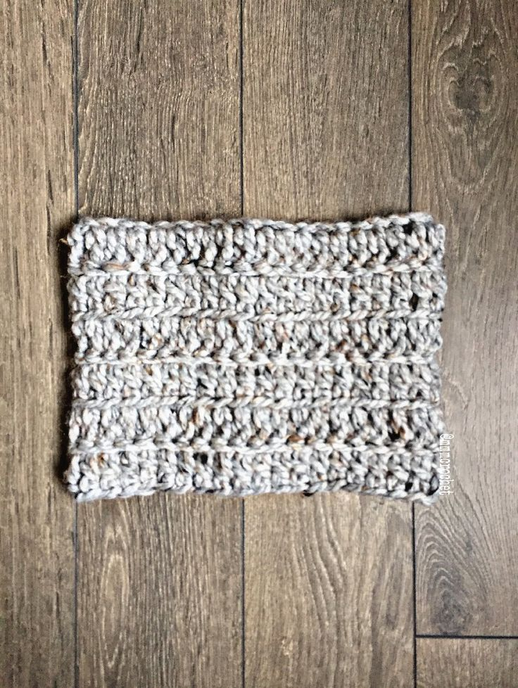 day eleven.. toddler cowl in grey marble! details on etsy, shop link in bio!