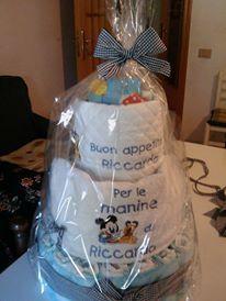 Torta di pannolini per il 1° Compleanno di Riccardo... all'interno, un set completo per l'asilo