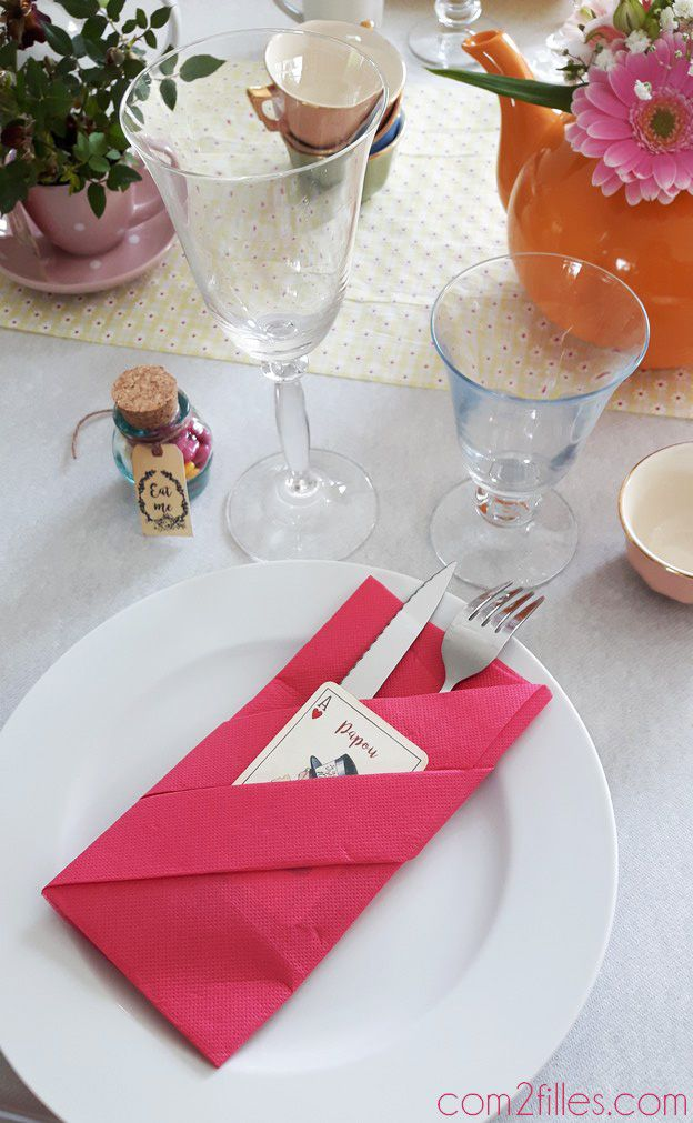 32 best images about d co de table pliage de serviette - Pliage de serviettes pour noel simple ...