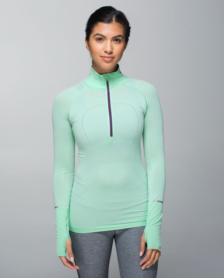 We designed this lightweight, moisture-wicking pullover to wear as a base layer under a wind-resistant jacket or on its own when we pick up speed. Anti-stink technology gives us the freedom to  sweat hard then hug it out when we cross the finish line.