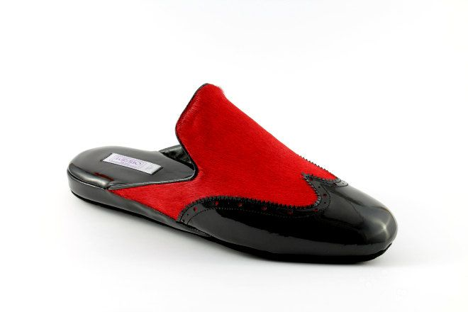 Burlington men's slippers in patent leather and pony hair  by Lurabo Milano