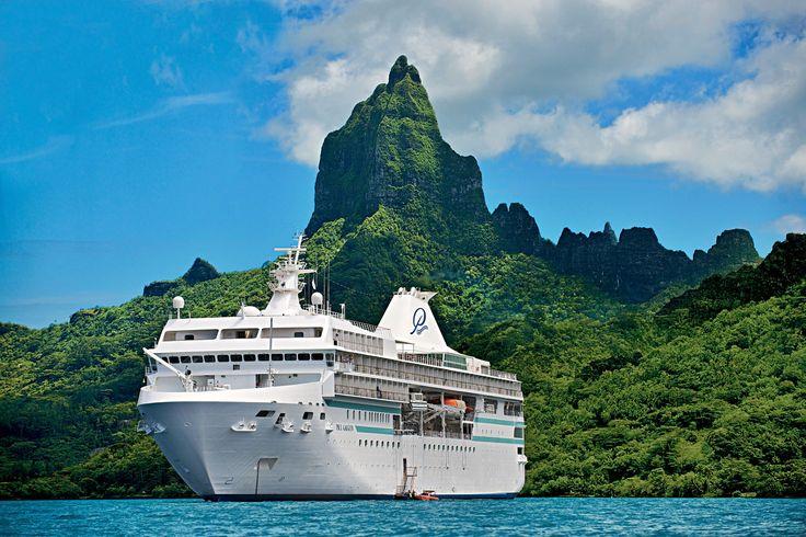 Una nave da crociera di piccole dimensioni, un servizio a 5 stelle altamente personalizzatoper non più di 330 ospiti a bordo, a cui si aggiungono i paradisi terrestri della Polinesia francese e più in generale del Pacifico del Sud